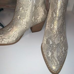 Brand new size 8 snakeskin booties